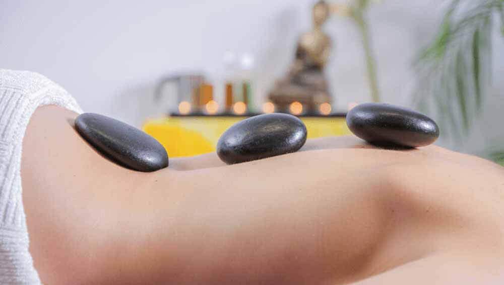 storitve - masaza z vrocimi kamni